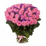Букет 51 розовая роза со статицей