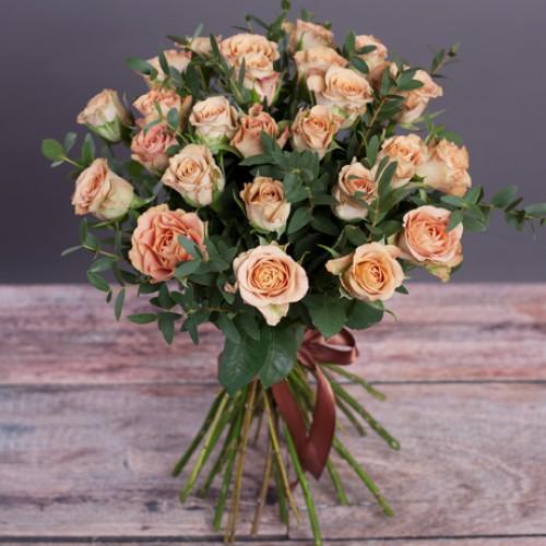 Розы капучино